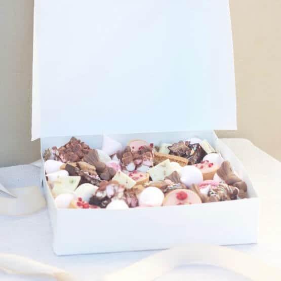 easter dessert gift box